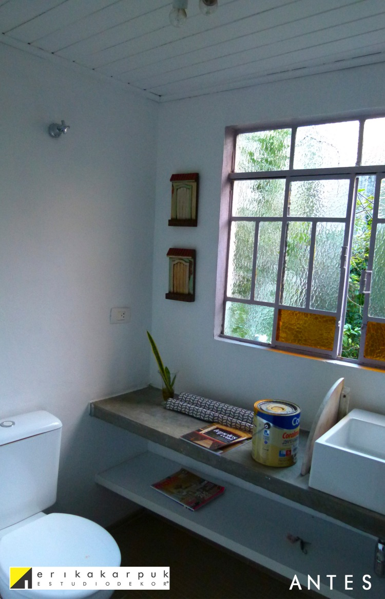 Banheiro ANTES da pintura - Erika Karpuk
