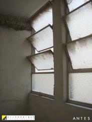 Caixilhos da antiga lavanderia. ANTES da reforma. Projeto Erika Karpuk