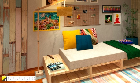 Para reduzir custos, indicamos revestimentos baratos e móveis simples. O rack da tv foi trocado por pallets, como o sofá também. por Erika Karpuk