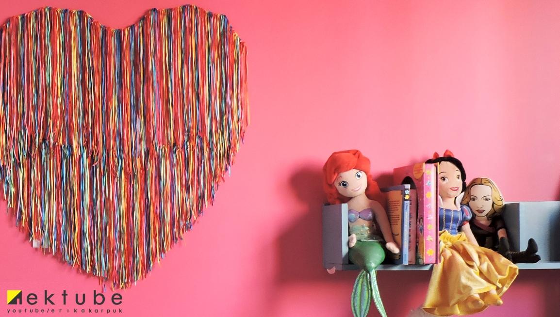 cabeceira com fitas de cetim - EKtube por Erika Karpuk