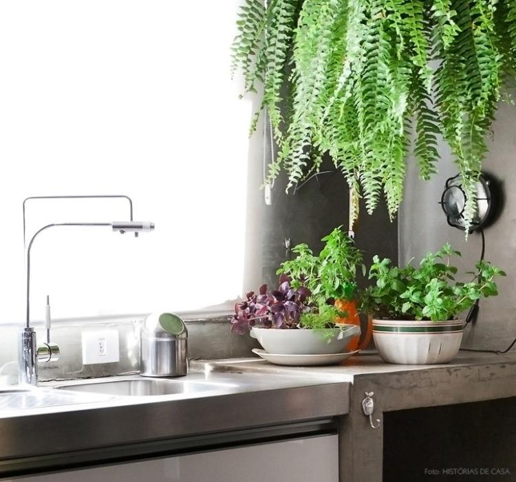 http://historiasdecasa.com.br/2015/09/11/na-cozinha-conserva-de-pepino/