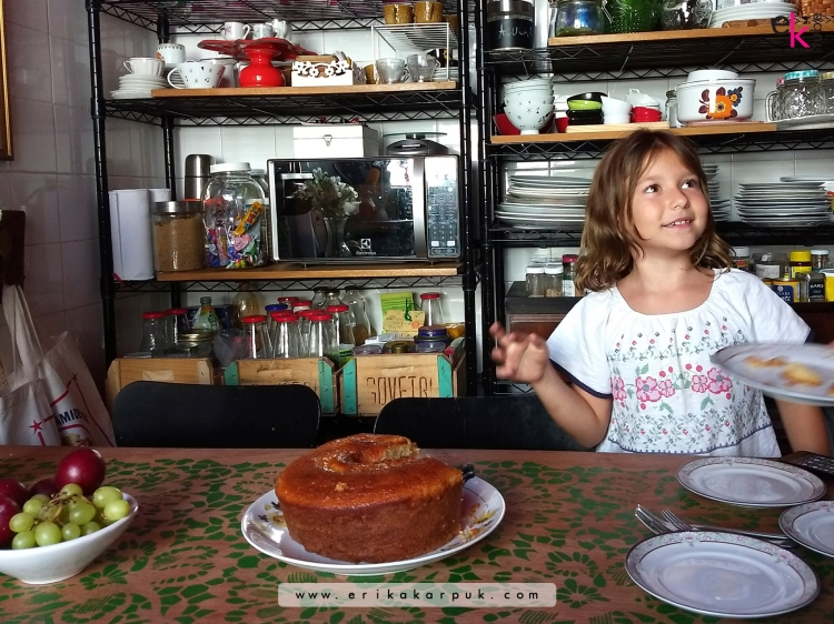 mesa diy com porta por @erikakarpuk #casadaerika